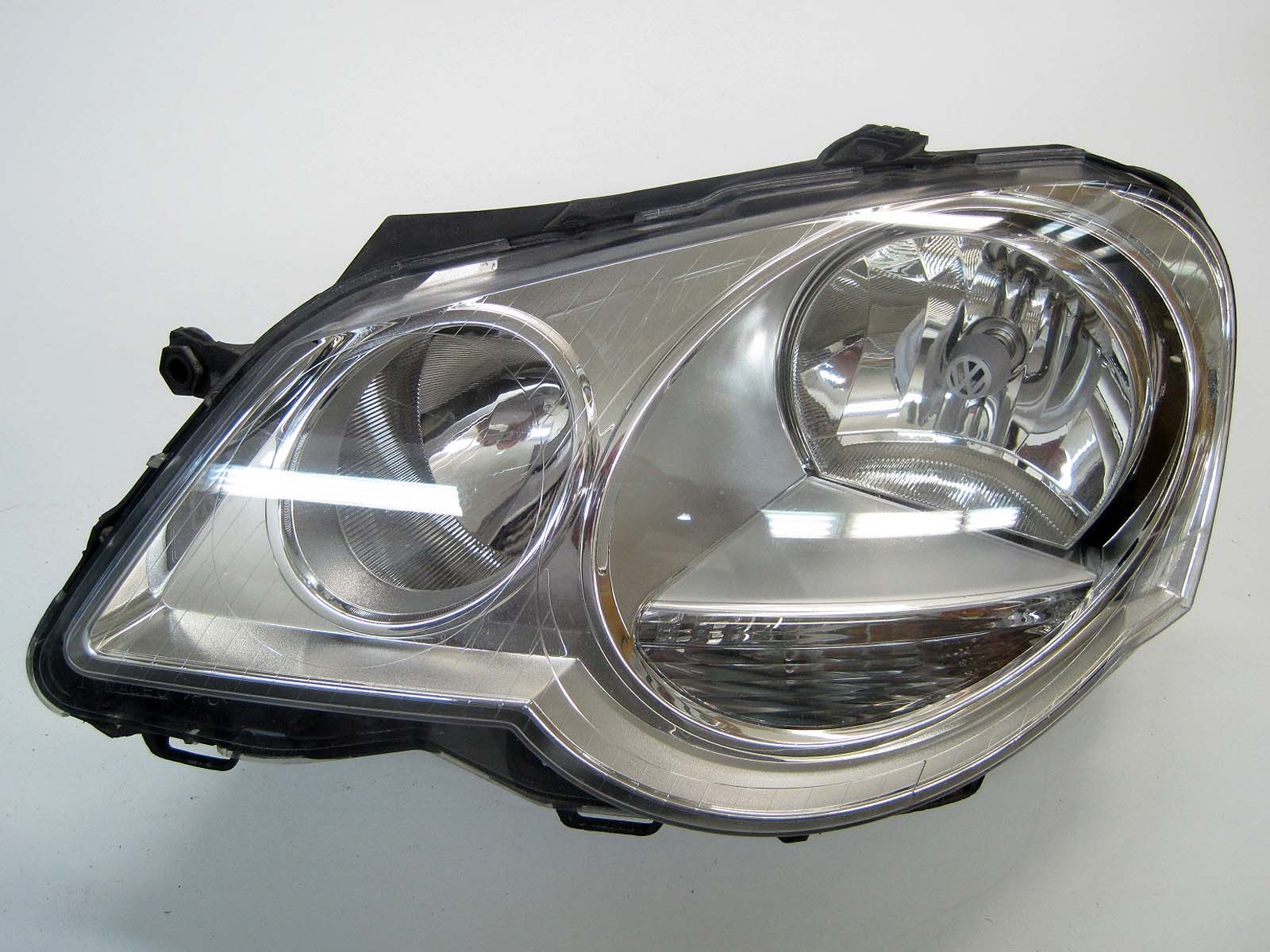 Headlight used 6Q1941007AT