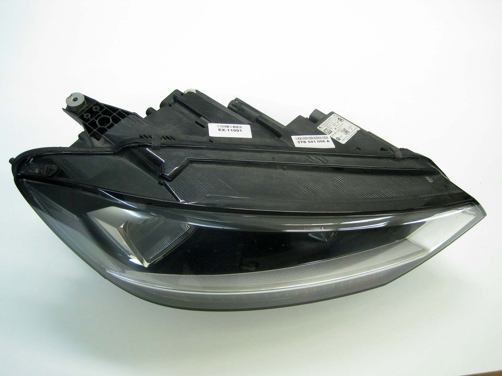 Headlight used 5TB941006A