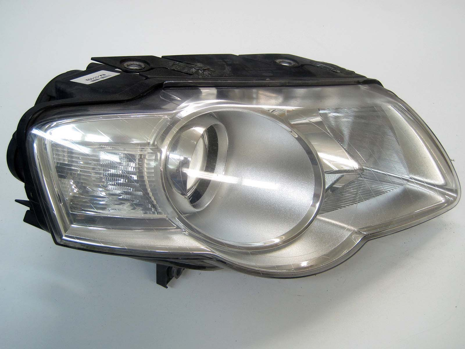 Headlight used 3C0941006J