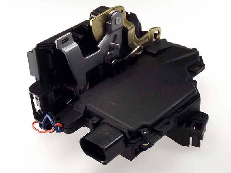 Tuer-Schloss-VW-Passat-B5-3B-3BG-96-05-mit-Zentralverriegelung-ZV-Mikro-Schalter